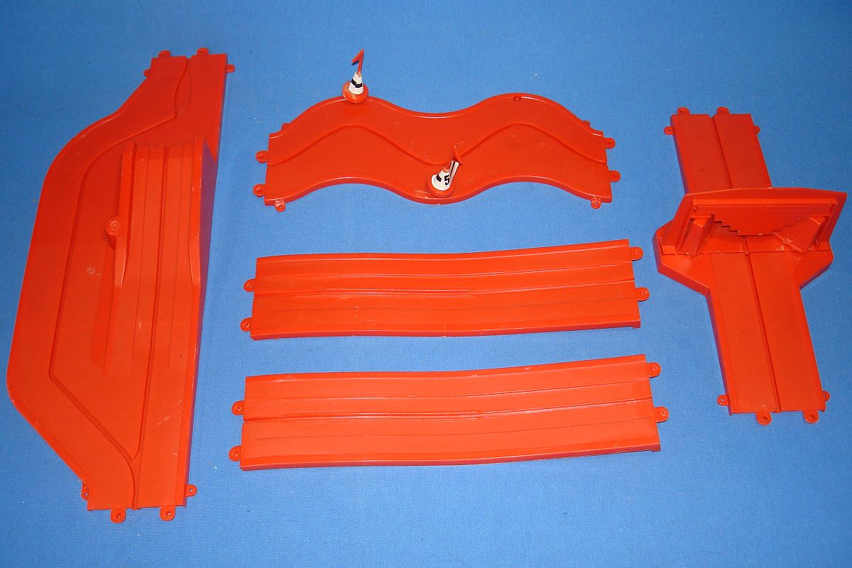 Sears Motorific Super Torture Track Set Ideal Toy #492001 Red Performance Spring Ramp Crash