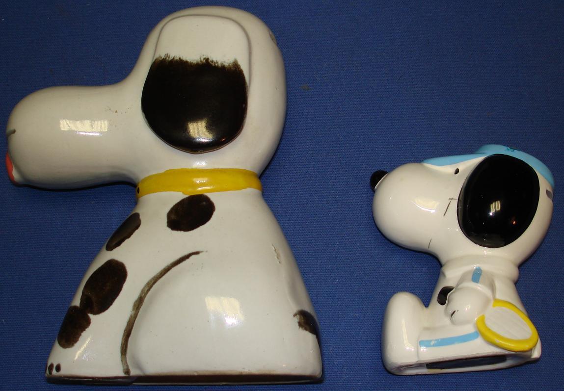 Charles Schultz Peanuts Snoopy Ceramic Banks Left Side