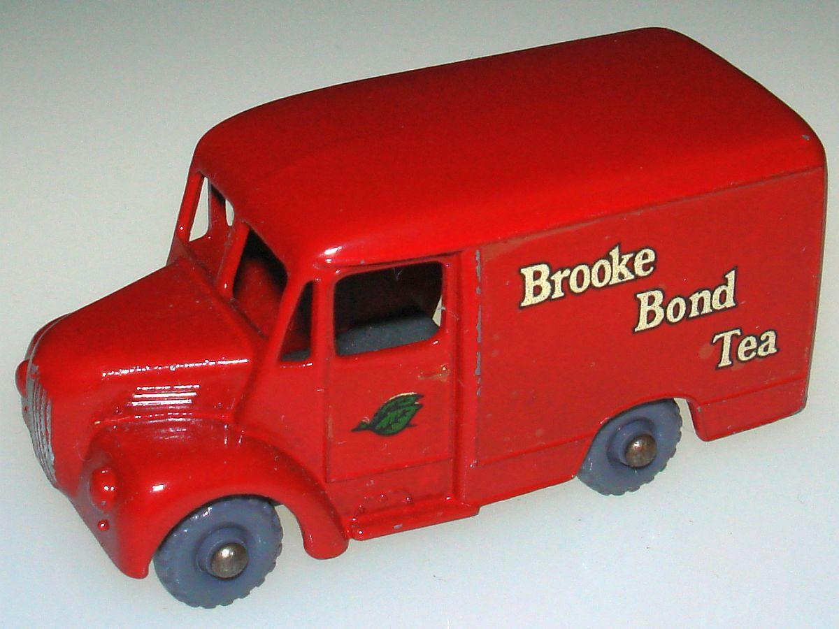 Vintage Matchbox Moko Lesney Grey Wheel Brook Bond Tea One Ton Trojan Van 47