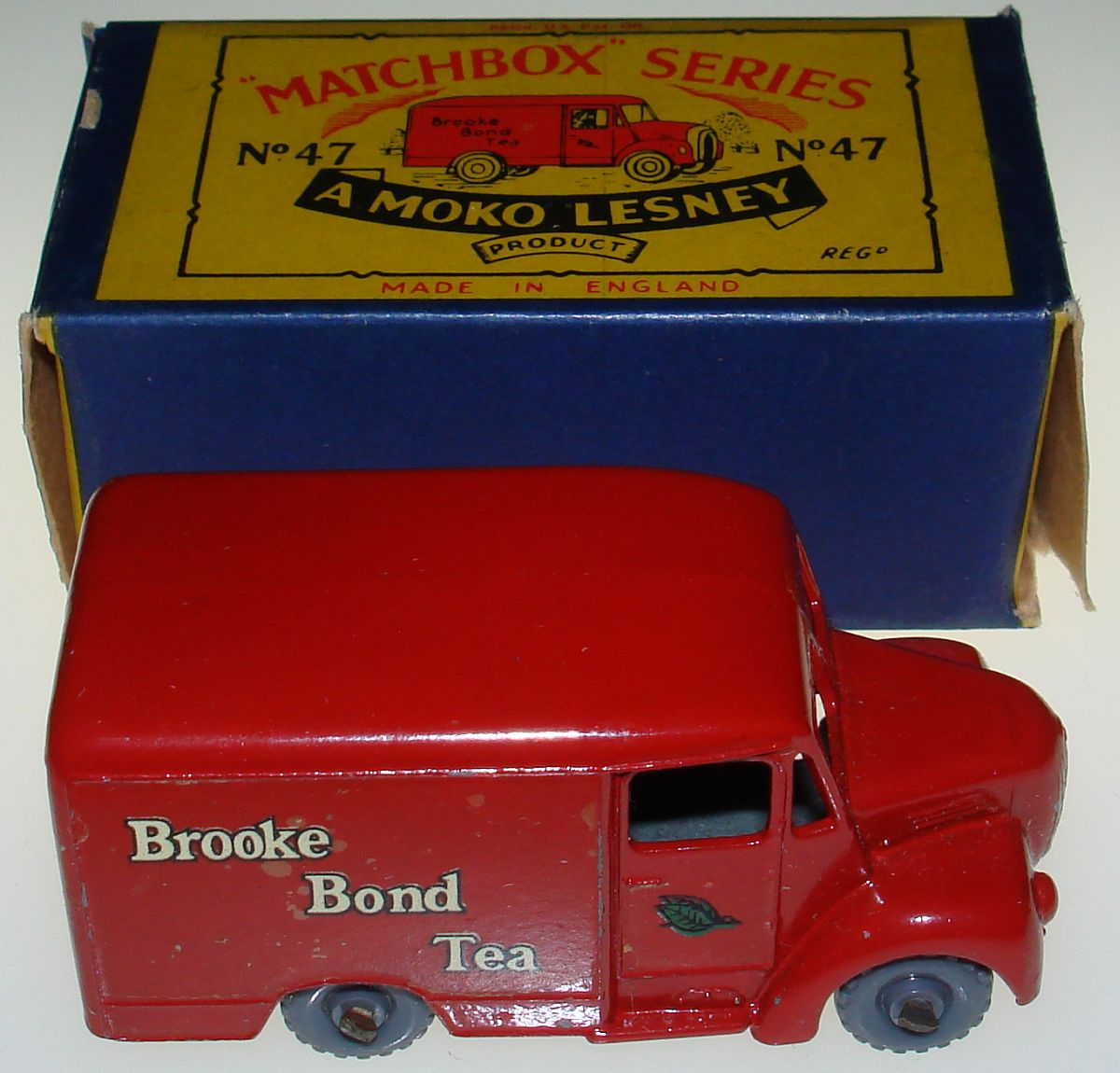 Vintage Matchbox Moko Lesney Grey Wheel Brook Bond Tea One Ton Trojan Van 47 Box