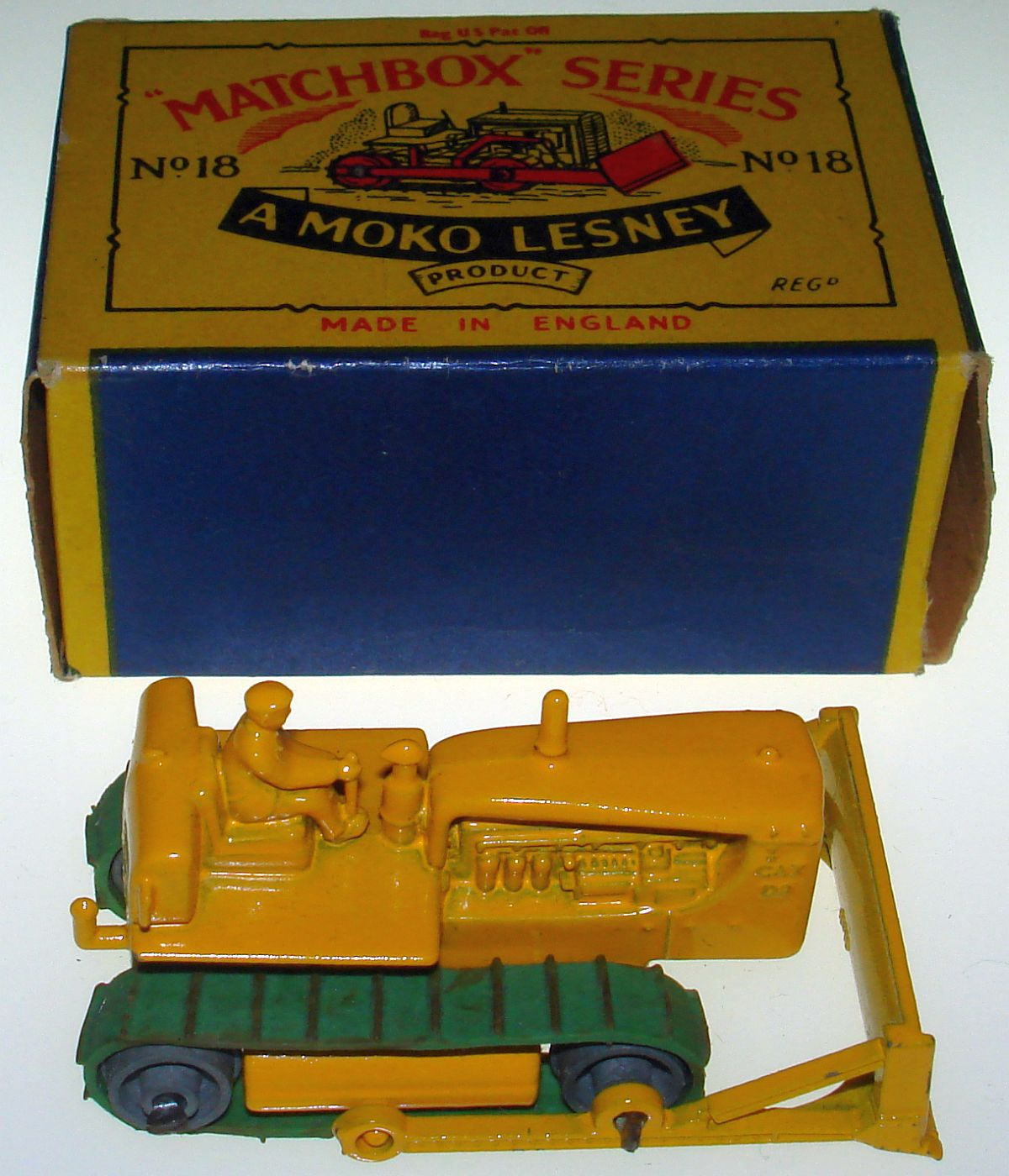 Vintage Matchbox Moko Lesney Grey Wheel Caterpillar Bulldozer 18 Box