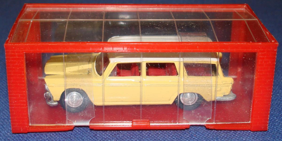 Meccano Mini Dinky Yellow Fiat 2300 Station Wagon MIB Parked Inside Red Garage