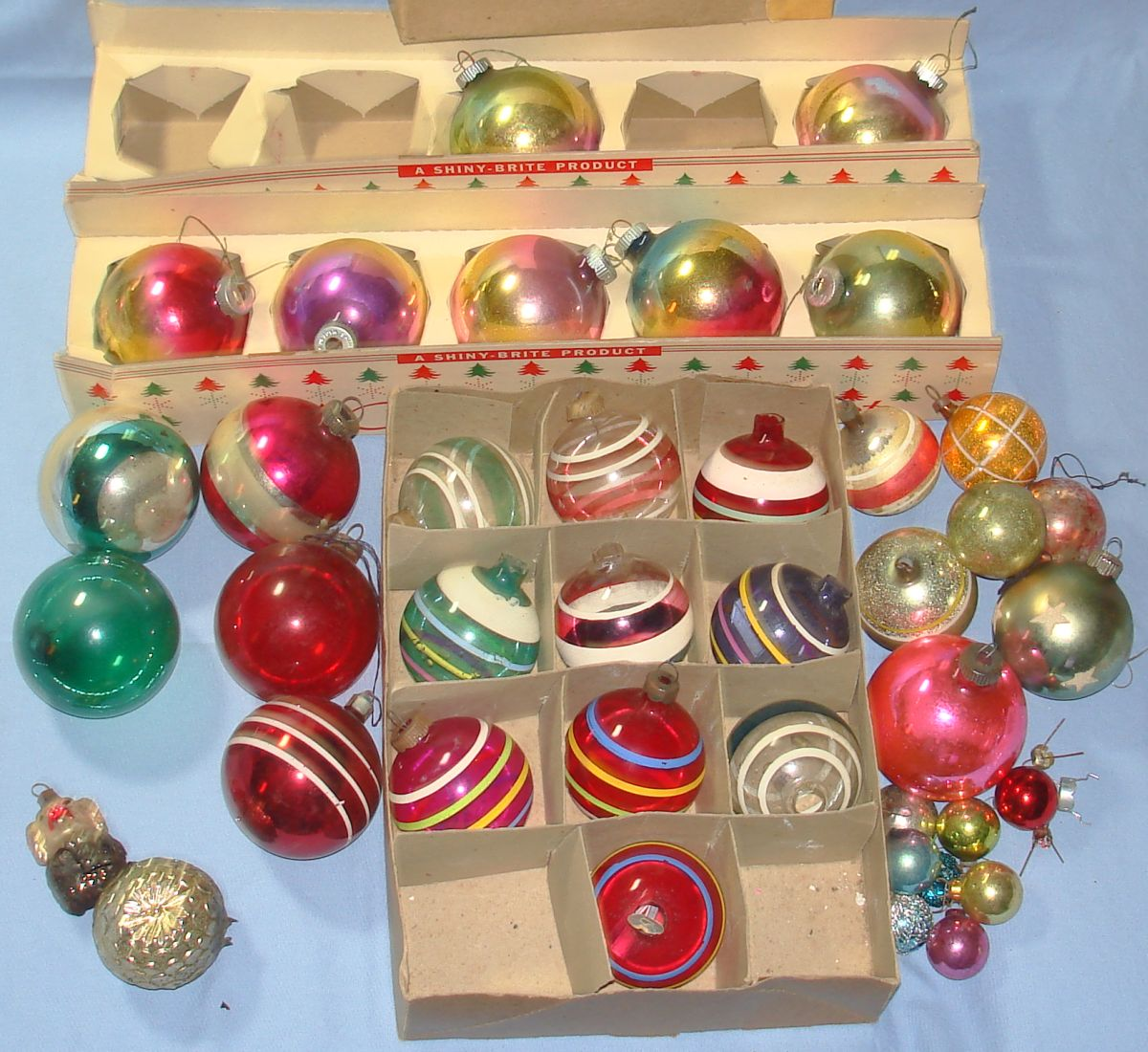 Vintage shiny brite product christmas tree ornaments Vintage glass christmas tree ornaments