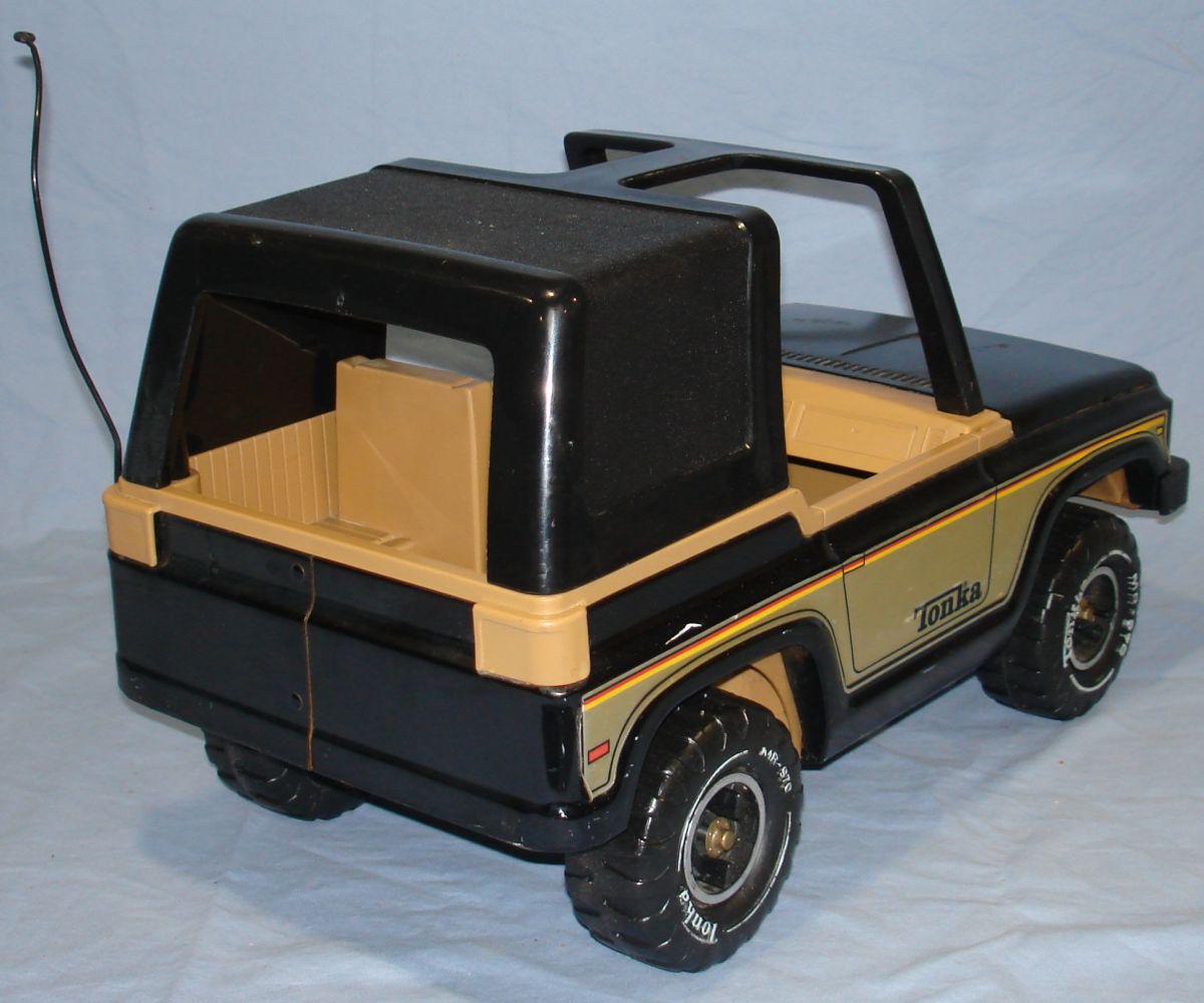 Vintage 1970s Pressed Steel Tonka Black Jeep MR 970 Passenger