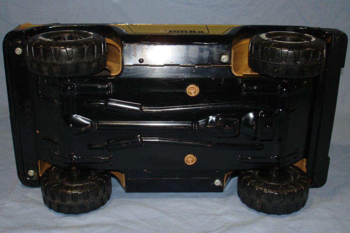 Vintage 1970s Pressed Steel Tonka Black Jeep MR 970 Chassis Wheels