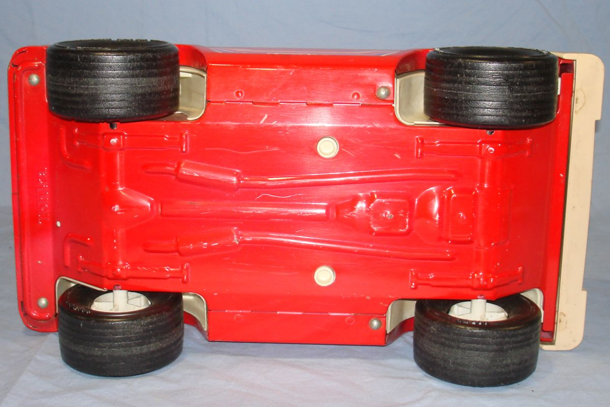 Vintage 1970s Pressed Steel Tonka Red Jeep 835 TR Chassis Wheels