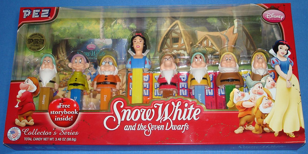 Modern PEZ Disney Snow White Seven Dwarfs Sleepy Dopey Doc Grumpy Bashful Happy Sneezy Candy & Dispensers