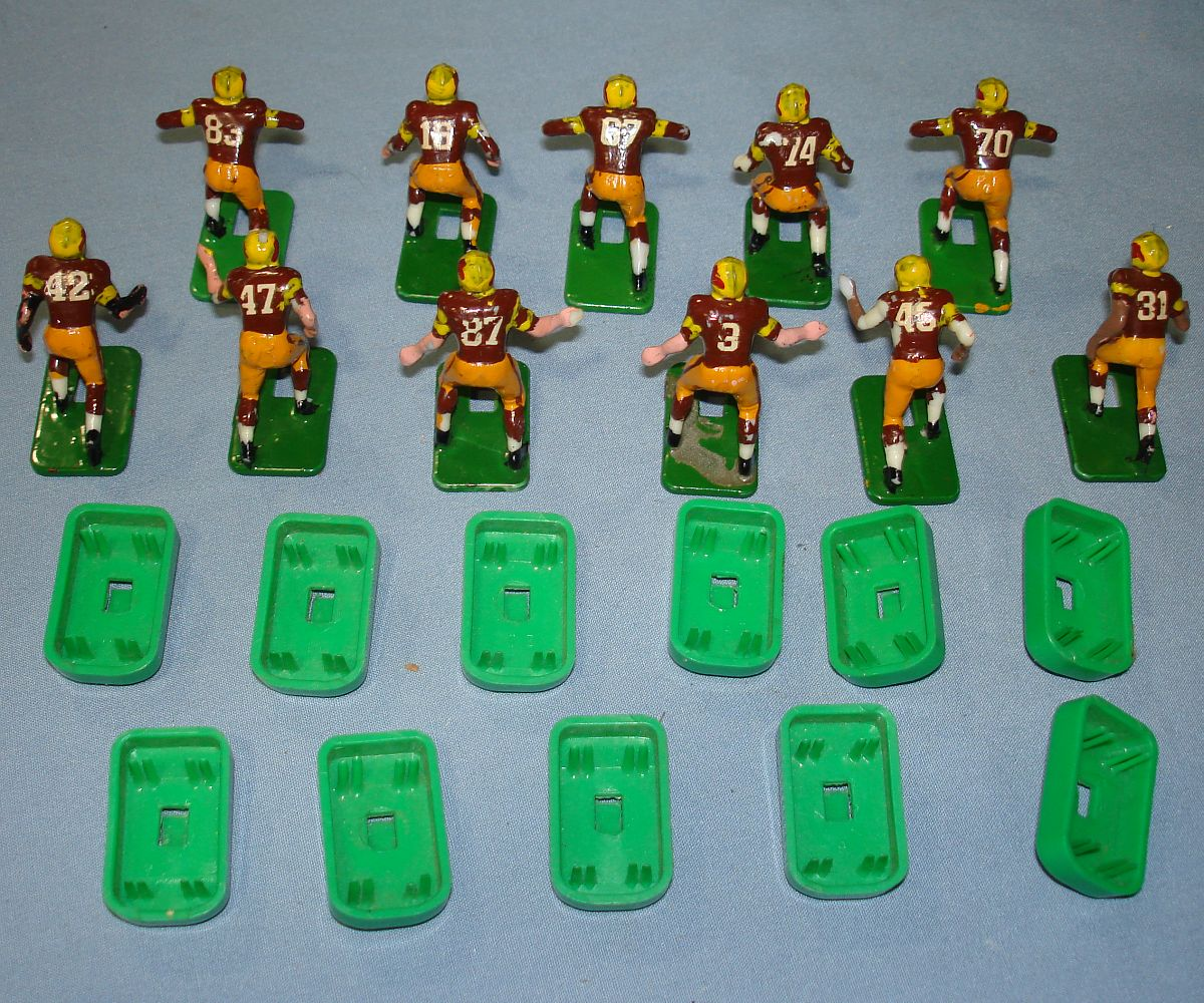 Electric Football Football Figures http://vintage-toys-for-sale.com/toys/classified/728