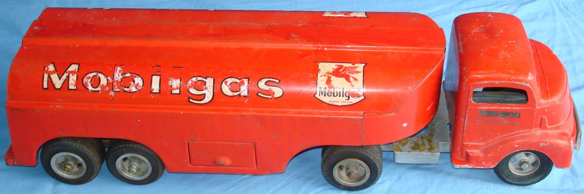 Vintage Smitty Toys Red Mobil Oil Smith Miller Pressed Steel Gasoline Tanker Truck